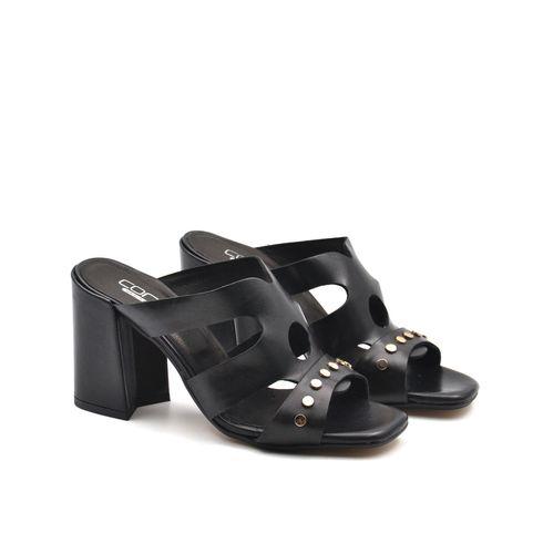 Sandalo donna con tacco alto e borchie